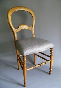 sitso_2016_chaise_bois_gris_copyright_sitso