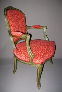 sitso_2017_fauteuil_louisXV_velours_rouge_corail_copyright_sitso
